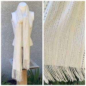 Basic Staple White Chunky Knit Fringe Scarf 🧣
